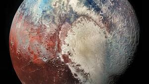 Plütonun yüzeyinde donmuş metan kumulları keşfedildi