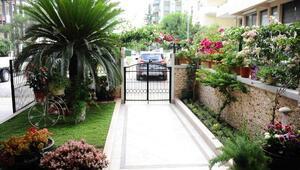 Karşıyakada en güzel balkon ve bahçeler seçildi