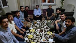 Başkan Yazgı, üniversitelilerle iftar yaptı