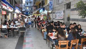 Marmariste Beşiktaş Çarşı taraftar grubu iftar yemeği verdi