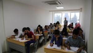 Öğrenciler, belediye kursunda YKSye hazırlıyor