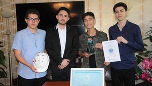 Öğrencilerin projesine 'Dünyanın En İyisi' ödülü