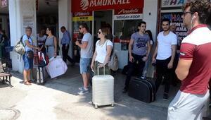 Tatilciler oy kullanmak için dönüyor... Bugün ve yarın için yer kalmadı