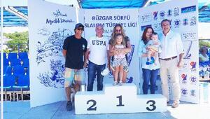 Ayvalıkta düzenlenen sörf yarışları sona erdi