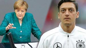 Merkelden ve Almanya Futbol Federasyonundan Mesut Özil açıklaması