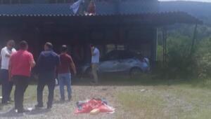 Genç avukat kazada balkona uçtu