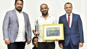 AOSB Karikatür Yarışmasının kazananları ödüllerini aldı