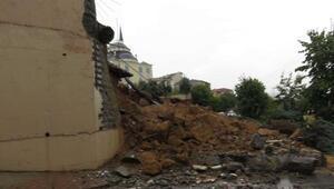 Sancaktepede okul duvarı çöktü (1)