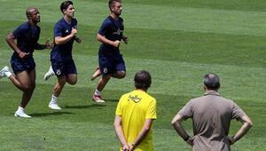 Fenerbahçede Ayew oyuncularla bir araya geldi