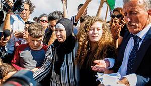 Filistinli cesur kız Ahed serbest