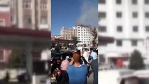 Sultanbeylide hastane çatısında yangın (1)