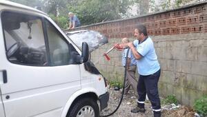 Kastamonu'da park halindeki kamyonet yandı
