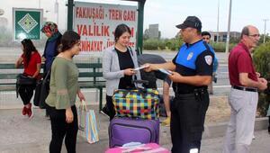 Polis, üniversiteli gençleri bilgilendirdi