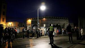 PEGIDA'dan cami önünde İslam karşıtı gösteri