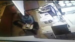 Çay bahçesi kasasından hırsızlık kamerada