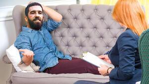 Arda Turanı psikiyatr koltuğuna oturttuk