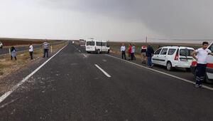 Rehabilitasyon merkezine öğrenci taşıyan minibüs devrildi: 9 yaralı
