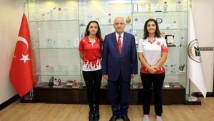 Atıcılık Dünya Şampiyonu, Başkan Yaşar'ı ziyaret etti