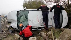Boluda otomobil takla attı: 2 yaralı