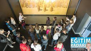 Haydi çocuklar müze dersine