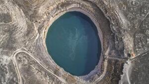 Turistlerin ilgisini çeken Obruk Gölü, turizme kazandırılmayı bekliyor