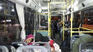 Yolcu otobüsünde 35 Afgan kaçak yakalandı