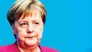 Merkel'den kademeli veda kararı