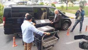 Ek fotoğraflar // Suudi Başsavcı numaralı çantalar ile ayrılıyor