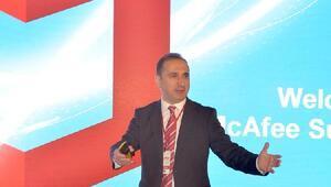 Siber güvenlik çözümlerinin geleceği McAfee Güvenlik Zirvesinde konuşuldu