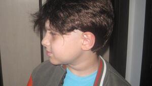 Rizeli kanser hastası küçük Kasıma Kuşadasından peruk
