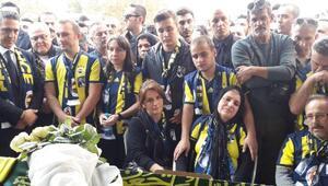 Fenerbahçe taraftarı Koray için evinin önünde helallik alındı(2)