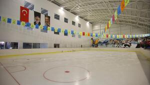 Buzun şampiyonları yeni tesiste yetişecek