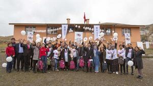 CarrefourSA ve TOGun iyilik paketleri öğrencilere ulaştı