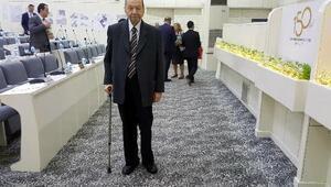83 yaşındaki eski devlet bakanı, bir kez daha meclis üyesi aday adayı