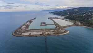 Rize-Artvin Havalimanında denize 14,5 milyon ton taş döküldü