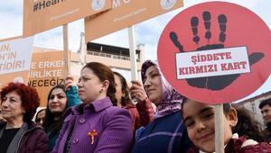 Çanakkalede AK Kadınlardan, şiddete hayır yürüyüşü