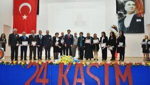 Emine Mehmet Baysal Lisesi'nin 'Öğretmenler Günü' programı tam not aldı