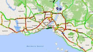 İstanbul trafiği felç oldu Yoğunluk yüzde 76ya ulaştı