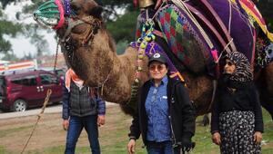Güreşçi develeri yetiştiren anne-kız belgesel oldu