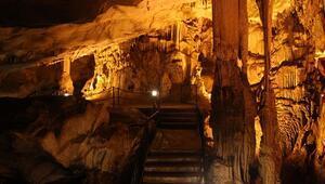 Dupnisa Mağarasına yoğun ilgi