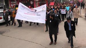 Alaşehirde kadına şiddete karşı ses oldular
