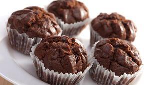 Çikolatalı kek nasıl yapılır Damla çikolatalı kek tarifi