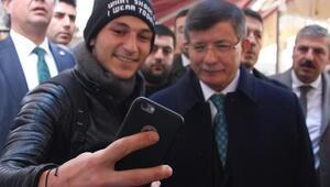 Eski Başbakan Davutoğlu, 15 Temmuz gecesini kitabında anlatacak