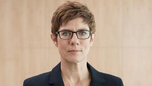 CDUnun yeni Başkanı Annegret Kramp-Karrenbauer kimdir