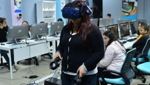 Hayallerini sanal gerçeklik sınıfıyla hayata geçirecekler