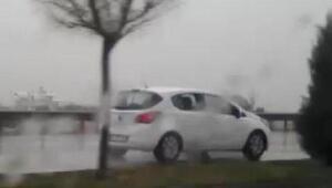 Manisada ters şeritte giden otomobil paniği