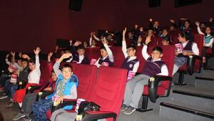 Çocukların sinema heyecanı