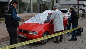 Caddede cinayet işlendi, kahvedekiler oyuna devam etti