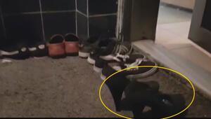 Kendilerini gizlemek için kapının önüne kadın ayakkabısı koymuşlar