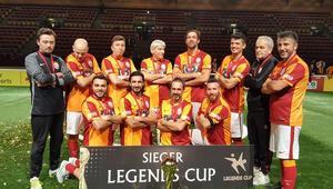 Galatasaraylı veteranlar Almanyada şampiyon oldu